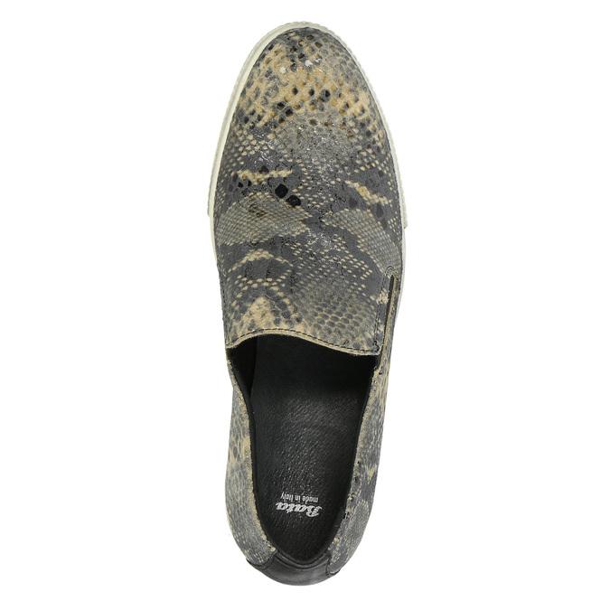 Skórzane buty Slip-on z wężowym wzorem bata, szary, 526-2606 - 19