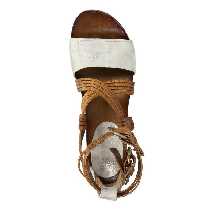 Skórzane sandały na platformie bata, brązowy, 666-1605 - 19