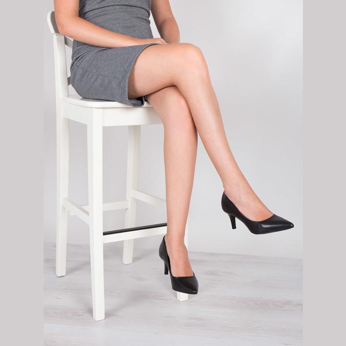 Skórzane czółenka damskie pillow-padding, czarny, 624-6642 - 18
