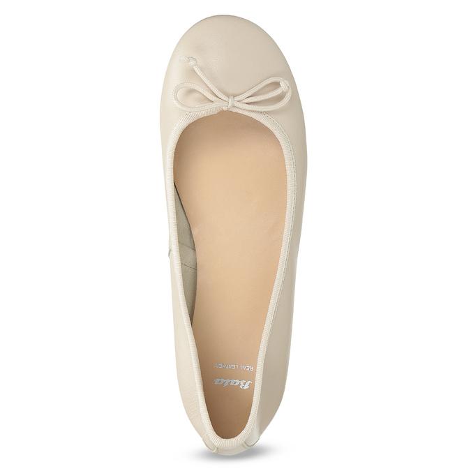 Beżowe skórzane baleriny damskie bata, beżowy, 524-8144 - 17