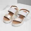 Sandały damskie ze złotymi paskami, na platformie bata, biały, 661-1614 - 16