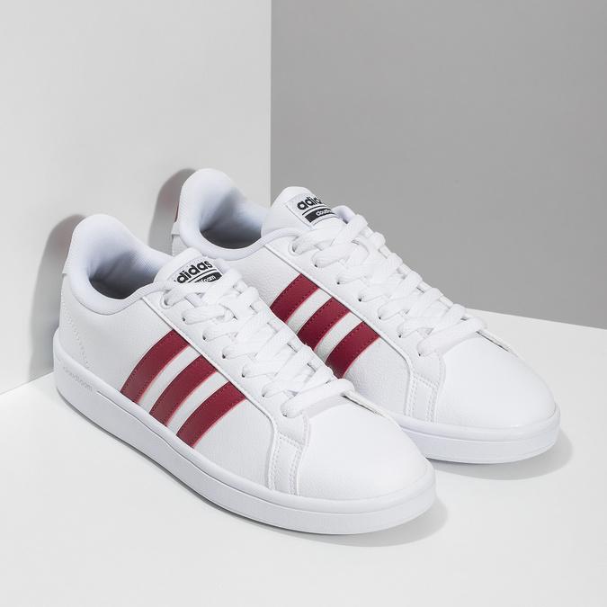 Białe trampki męskie zbordowymi elementami adidas, biały, 801-5378 - 26