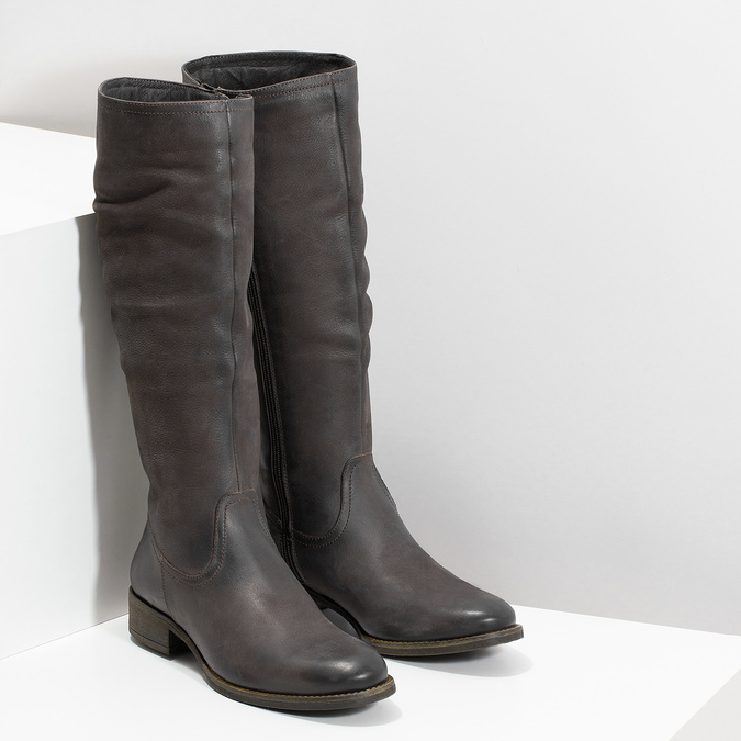 Brązowe skórzane kozaki zprzeszyciami bata, brązowy, 596-4700 - 26